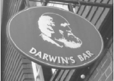 Darwin satte Skaperen ved livets opprinnelse